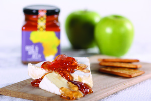 Rose and Apple Jelly_Cheese and Crackers 1